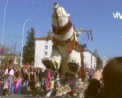 Suivez la grande ourse – Carnaval du Sou des Ecoles de Grigny (Rhône)