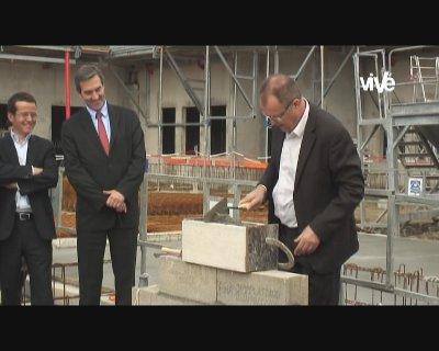 """Pose de la première pierre de l'immeuble """"L'Agora"""" – Grigny (Rhône)"""